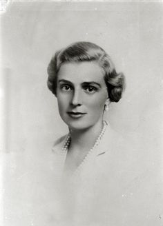 Princess Alice, Royal Queen, Queen Victoria, Great Britain, Biography, My Images, Queens, Portraits, Royals