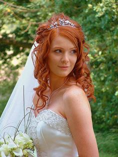 Wedding Hairstyles Half Up and Half Down with Tiara - Wedding Funeral ..., 600x800 in 52.9KB