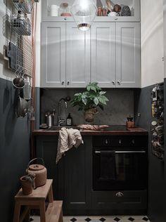 Teeny tiny white & blue kitchen