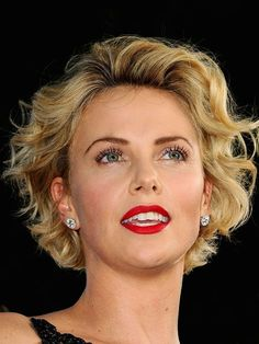 charlize theron a million ways to die in the west premiere Short Curly Haircuts, Curly Hair Cuts, Wavy Hair, Short Hair Cuts, Bob Hairstyles, Wedding Hairstyles, Curly Hair Styles, Charlize Theron Short Hair, Short Grey Hair