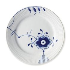 A new classic created from an old one.It took a visionary young artist to take on the legendary Blue Fluted design and twist it - and with a love for the classi Royal Copenhagen, Spanish Tile, Barbie Accessories, Mussels, Fine Porcelain, Danish Design, Chinoiserie, Home Deco, Royals