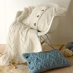 Fabulous Knit Throw Patterns Adding Warm Texture to Modern Room Decorating