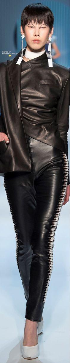 Jean Paul Gaultier Spring 2018 Couture Paul Gaultier Spring, Jean Paul Gaultier, Love Jeans, Jeans Style, Spring Couture, Cushnie Et Ochs, Fashion Photo, Fashion Tips, Fashion Plates