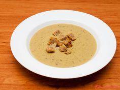 Krásně hebká polévka, zahuštěná rozmixovaným hráškem a ovesnými vločkami. Výborná k obědu nebo k večeři. Luštěniny by na našem stole neměly chybět! Hummus, Ethnic Recipes, Cooking