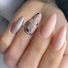 Peach, black and silver floral nail art design. Holiday Nail Designs, Colorful Nail Designs, Acrylic Nail Designs, Holiday Nails, Nail Art Designs, Pedicure Designs, Christmas Nails, Nude Nails, Stiletto Nails