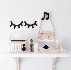 We have hand-picked our favourite shelf accessories to decorate shelves in kid's rooms! Wooden toys, figurines, little night lamps, soft toys and more.