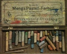 Vintage Mengs Pastell-Farben Wooden Chalk Case