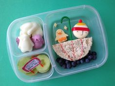 Grace uses toothpicks and cookie cutters to shape the scenes. | This Mum Makes The Most Amazing Lunchbox Art For Her Kid Every Day