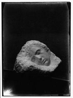 Le Sommeil, marbre (1908) Brancusi Constantin (1876-1957)