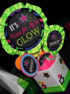 Glow in the Dark Party Neon Party Centerpiece Tween by PSLetsParty Neon Birthday, 13th Birthday Parties, Girl Birthday, Birthday Ideas, 17th Birthday, Neon Party, 80s Party, Skate Party, Party Centerpieces