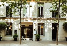 Spa, Paris City, Champs Elysees, Flat Screen, Mansions, House Styles, Luxury Hotels, Restaurants, Stars
