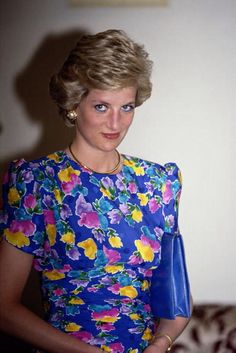 On March 16, 1990 Diana visited the city of Lagos in Nigeria. Diana wore a blue floral dress by designer Bellville Sassoon.