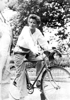 Katharine Hepburn......Uploaded By www.1stand2ndtimearound.etsy.com