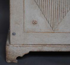 Gustavian Two-Door Sideboard image 5