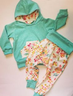 Baby girl clothes / baby floral outfit / baby girl by BornApparel