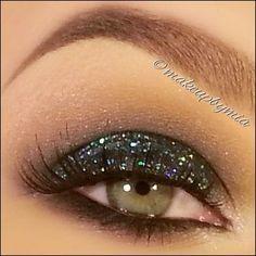 4. #Sparkly Eyes - 30 Ways to Wear Glitter Eye #Makeup ... → Makeup [ more at http://makeup.allwomenstalk.com ]  #Liner #Eye #Eve #Wear #Chunky