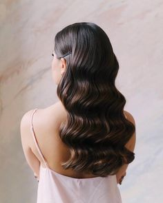 Amazing wavy hair Inspiring ladies - All About Hairstyles Wedding Hair And Makeup, Hair Makeup, Hair Wedding, Wavy Bridal Hair, Classic Wedding Hair, Vintage Wedding Hair, Wedding Beauty, Boho Wedding, Elegant Wedding