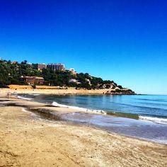 #Playa del #Voramar en #Benicàssim. #Mar en #calma. #Paraiso #turismo #vacaciones #cielo #azul #Benicassim #KeepCalm #paradise #spain #sky #blue #yoga #arena #sol #sun