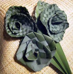 Flax Weaving - Putiputi - Flowers, by AllFlax Flax Weaving, Weaving Art, New Zealand Flax, Flax Flowers, Maori Designs, Nature Decor, Burlap Wreath, Floral Arrangements, Cake Board