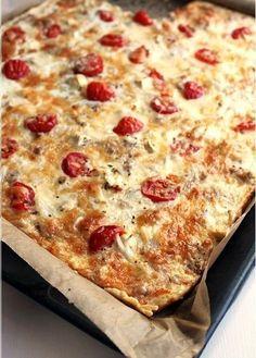 Tomaatti-tonnikalapiirakka - Ullanunelma Savory Pastry, Savoury Baking, I Love Food, Good Food, Yummy Food, Healthy Food, My Favorite Food, Favorite Recipes, Food Humor