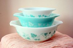 Farm Girl Pink....: Have you ever.... Pyrex Gooseberry in Turquoise....