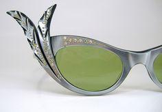 Vintage France rhinestone eyeglasses sunglasses with feathered wings 50s Vintage, Vintage Frames, Witch Fashion, Sunglass Frames, Vintage Beauty, Oakley Sunglasses, Everyday Fashion, Eyeglasses, Eyewear