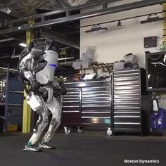 Boston dynamics made Atlas, the most dynamic humanoid robot What Is Cyberpunk, Boston Dynamics, Political Articles, Humanoid Robot, Im Alone, The Future Is Now, New Tricks, Science And Technology, My Room