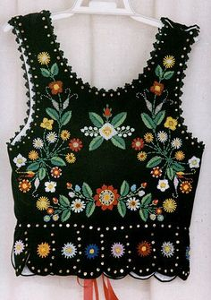 Embroidered vest - back - Polish Polish Embroidery, Embroidery On Clothes, Folk Embroidery, Embroidery Patterns, Indian Embroidery, Embroidery Stitches, Top Bordado, Folk Clothing, Woman Clothing
