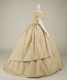 1858-1859 ___ Wedding Dress ___ Silk ___ American ___ at The Metropolitan Museum of Art ___ photo 2