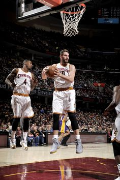 official photos 28f17 df9b5 Kevin Love tallied his team-leading 16th double-double of the season (345th
