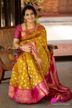 Latest Silk Sarees, Indian Silk Sarees, Soft Silk Sarees, Indian Beauty Saree, Bengali Saree, Cotton Saree Designs, Silk Saree Blouse Designs, Trendy Sarees, Stylish Sarees