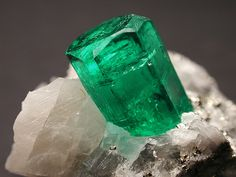 Colombian Emerald | ©Diego Rodriguez Acosta  Natural crystal in matrix. Boyaca, Colombia.