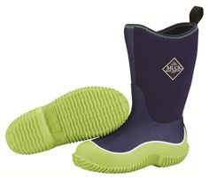 Every parent wants their kids to be comfortable whilst they roam the great outdoors. This is exactly why the Kids Hale Muck Boots were designed. This Hale boot is finished with Blue upper and lime green rubber sole. Kids Muck Boots, Winter Outdoor Activities, Muck Boot Company, Online Outlet Stores, All Weather Boots, Unique Gifts For Kids, Little Boy Blue, Waterproof Winter Boots, Comfortable Boots