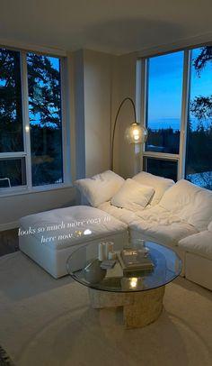 Dream Home Design, Home Interior Design, House Design, Dream Apartment, Apartment Interior, Home Living Room, Living Room Designs, First Apartment Decorating, Aesthetic Bedroom