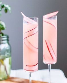 This Rhubarb 75, a simple, seasonal twist on the classic French 75, rhubarb cocktail, drink recipe, french 75 alternative, cocktail recipe, seasonal cocktails