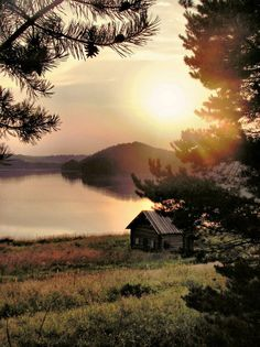 How perfect it would be for one to have a special unique place in the world--all their own--where one could go to think and rest where it is peaceful and quiet, and where all rests in natural harmony and calm serenity. Country Life, Country Girls, Country Roads, Country Living, Country Farm, Southern Sayings, Southern Belle, Southern Pride, Southern Comfort
