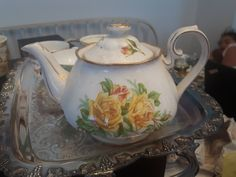 Royal Albert Tea Rose, 12 cups and tea pot. Tea Roses, Royal Albert, Fine China, Cups, Diy Crafts, Etsy Shop, Yellow, Tableware, Vintage