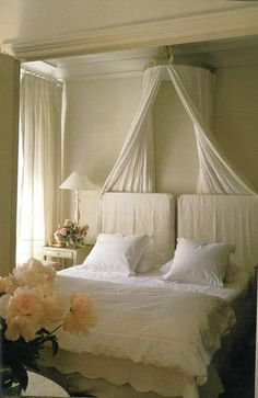 this looks so restful, all white and cream.  Like the simple canopy crown.