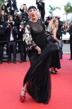 Rossy de Palma, en habituée de la Croisette. (Cannes, 16 mai 2016.)