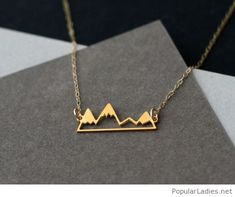 amazing-mountain-golden-necklace-design