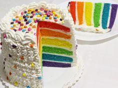 Torta arcobaleno all'olio e aroma di vaniglia