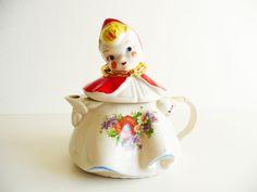 Vintage Tea Pot, Hull Little Red Riding Hood, Fairy Tale Decor, Ceramic Tea Pot, Cottage Decor, Fairy Tale Decorating, Violet, Daisy, Poppy