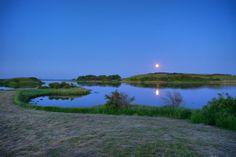 Moonrise over Knold, Dyreborg
