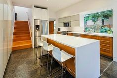 Arquitectura Sostenible http://www.arquitexs.com/2014/07/arquitectura-sostenible-casa-moderna-madera-Checkwitch-Poiron-Architects.html