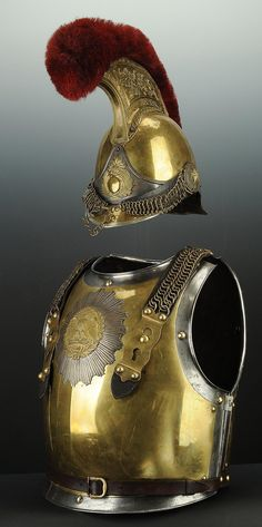 ENSEMBLE CASQUE ET CUIRASSE DE CARABINIER, MODÈLE 1854,SECOND EMPIRE.