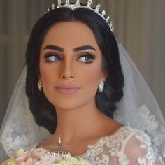 Glamorous Makeup Looks For The Arab Bride – Nureen Awaluddin Glamorous Makeup Looks For The Arab Bride Glamorous Makeup Looks For The Arab Bride Beautiful Bridal Makeup, Glamorous Makeup, Bridal Hair And Makeup, Wedding Hair And Makeup, Hair Makeup, Dramatic Bridal Makeup, Eye Makeup, My Hairstyle, Bride Hairstyles
