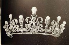 Diadema de perlas y brillantes de la duquesa de Calabria, Alicia Borbón-Parma