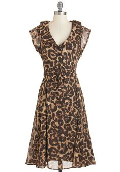 Stealth and Stylish Dress in Leopard. Look in-style and in-command, dressed in this leopard-print shirt dress. Indie Fashion, Work Fashion, Retro Fashion, Vintage Fashion, Fashion Design, Stylish Dresses, Cute Dresses, Beautiful Dresses, Fashion Dresses