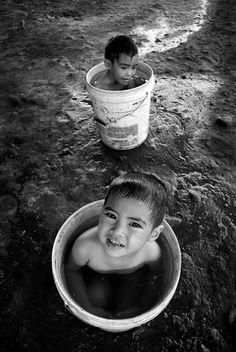 Bathing in Buckets~♛