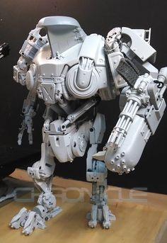 Robocop 2 Cain stop motion replica - Anime or Science Fiction - Macross World Forums Robocop 2, Sci Fi Models, Robot Concept Art, Ex Machina, Robot Design, Mechanical Design, Stop Motion, Plastic Models, Dieselpunk